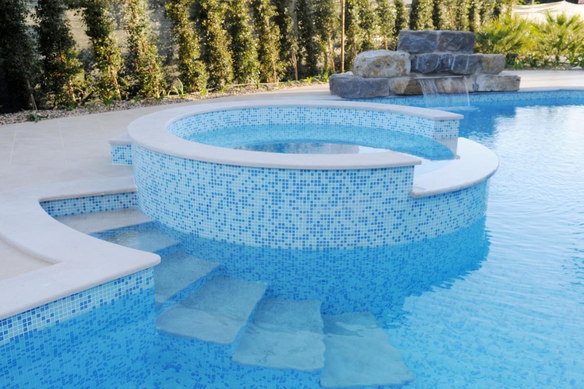 betonnen zwembad inbouw